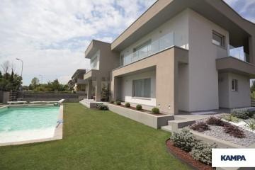 Realizzazione Casa in Legno Linea Architettonica Kubos di KAMPA ITA