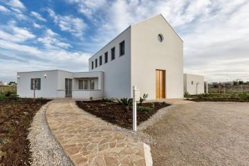 Realizzazione Edificio Pubblico (scuola, chiesa) in Legno MONASTERO di Rubner Haus