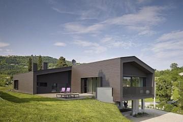 Realizzazione Casa in Legno Abitazione Salcedo di HEMMA CASA