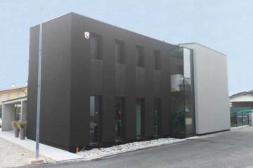 Realizzazione Casa in Legno Abitazione Schio di HEMMA CASA