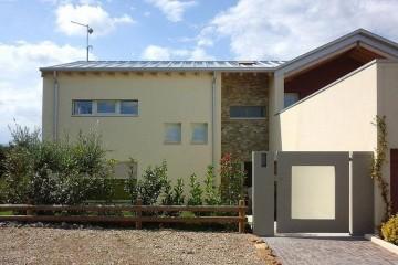 Realizzazione Casa in Legno Abitazione Monteviale di HEMMA CASA