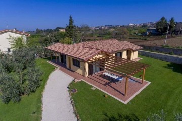 Realizzazione Casa in Legno Casa in Legno in Stile Classico di Libianchi