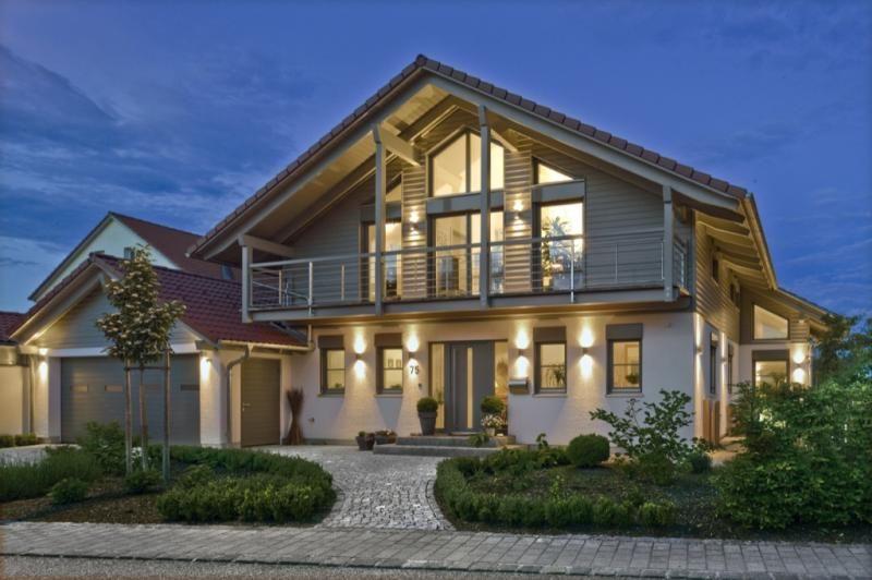Casa in legno modello casa landshut di design haus italia for Case in legno italia