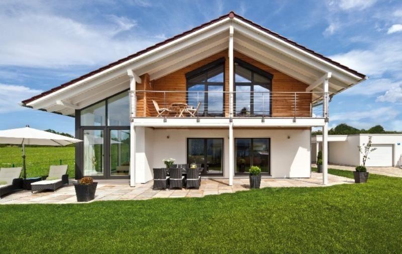 Casa in legno modello casa mira di design haus italia for Tetti di case moderne