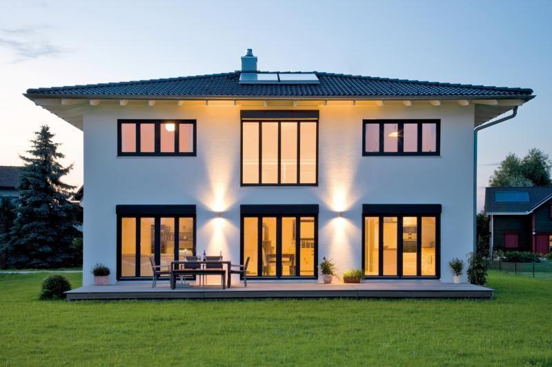 Casa in legno modello casa hochburg di design haus italia for Haus case in legno
