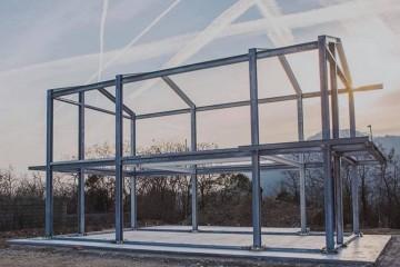 Realizzazione Casa in Legno Cantiere casa in acciaio di LARPAF srls