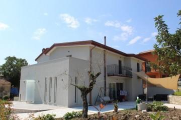 Realizzazione Casa in Legno Villa in x-lam di Nuove Architetture Case in legno srl