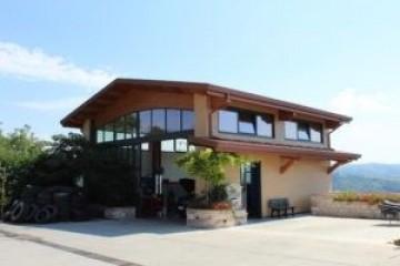 Realizzazione Casa in Legno Struttura commerciale di Nuove Architetture Case in legno srl
