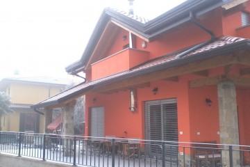 Realizzazione Casa in Legno Casa Verona tecnologia TIMBER FRAME legno lamellare certificato PEFC - FSC di BCL Bergamasca Costruzioni Legno