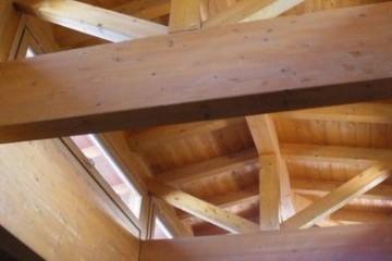 Realizzazione Casa in Legno Bifamiliare Cantù tetto legno lamellare certificato FSC - PEFC di BCL Bergamasca Costruzioni Legno