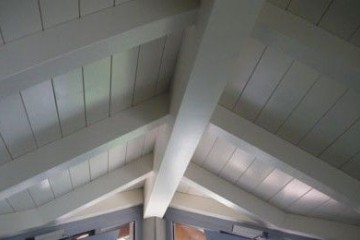 Realizzazione Casa in Legno Edificio Residenziale Giussano tetto legno lamellare certificato FSC - PEFC di BCL Bergamasca Costruzioni Legno