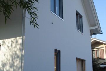 Realizzazione Casa in Legno Villa Milano di BCL Bergamasca Costruzioni Legno
