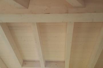 Realizzazione Casa in Legno Tetto Naturale legno lamellare certificato PEFC - FSC di BCL Bergamasca Costruzioni Legno