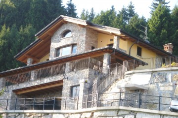 Realizzazione Casa in Legno Legno lamellare a telaio cert. PEFC FSC - provincia di Bergamo di BCL Bergamasca Costruzioni Legno