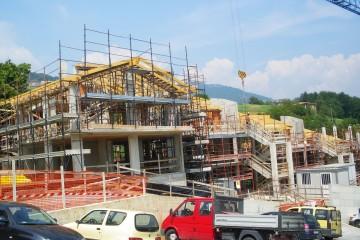 Realizzazione Casa in Legno Villette - Tetti legno lamellare certificato PEFC FSC - provincia di Bergamo di BCL Bergamasca Costruzioni Legno