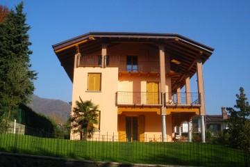 Casa in Legno Sopraelevazione Legno lamellare certificato PEFC FSC provincia di Bergamo