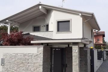 Realizzazione Casa in Legno Casa con struttura a TELAIO (Timber Frame) legno lamellare certificato PEFC - FSC di BCL Bergamasca Costruzioni Legno
