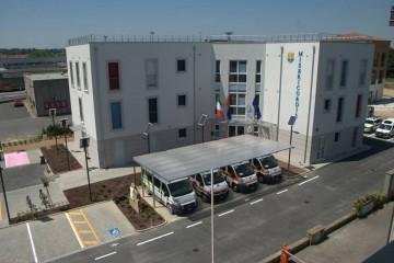 Edificio Pubblico (scuola, chiesa) in Legno Al _ Hospital
