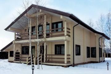 Casetta di Legno struttura in travi di legno lamellare (abete, larice e cedro siberiano) di HEALTHY LIFE & WHEELS HOUSE