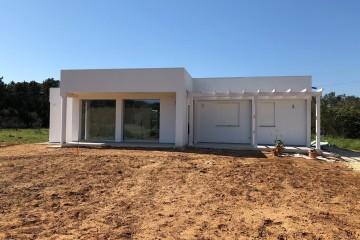 Realizzazione Casa in Legno Abitazione a Cavallino di KOSTRUIRE - Sostenibilità e innovazioni abitative