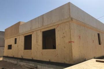 Realizzazione Casa in Legno Abitazione Spongano di KOSTRUIRE - Sostenibilità e innovazioni abitative