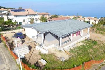 Realizzazione Casa in Legno Briatico di Angoli Legno