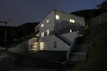 Realizzazione Casa in Legno Villa lugano di RIKO-HISE srl - Arch. Daniele Bonzi