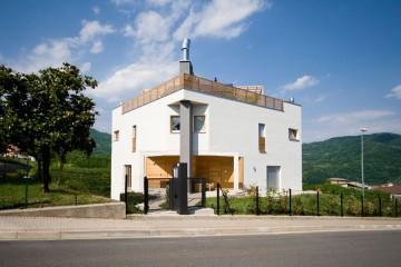 Realizzazione Casa in Legno Casa Bifamiliare 2 di RIKO-HISE srl - Arch. Daniele Bonzi