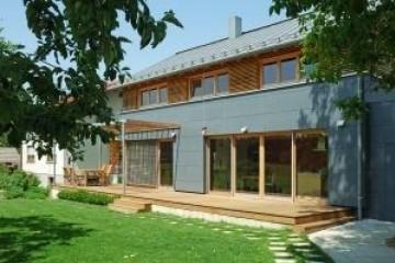 Realizzazione Casa in Legno Casa economica di RIKO-HISE srl - Arch. Daniele Bonzi