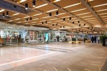 Realizzazione  in Legno Centro commerciale di RIKO-HISE srl - Arch. Daniele Bonzi