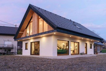 Realizzazione Casa in Legno Villa residenziale di RIKO-HISE srl - Arch. Daniele Bonzi