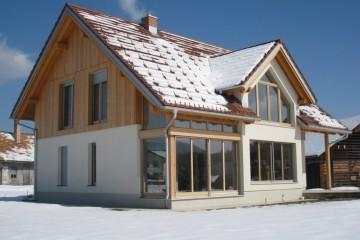 Realizzazione Casa in Legno Casa alpina su due piani 1 di RIKO-HISE srl - Arch. Daniele Bonzi