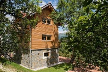 Realizzazione Casa in Legno Casa residenziale  di  montagna di RIKO-HISE srl - Arch. Daniele Bonzi