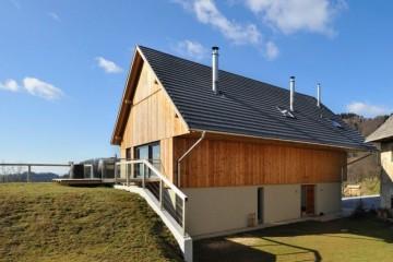 Realizzazione Casa in Legno IL GRANAIO RICOSTRUITO di RIKO-HISE srl - Arch. Daniele Bonzi