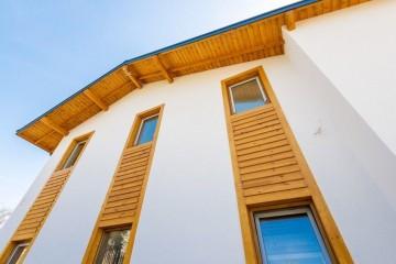 Realizzazione Casa in Legno Casa Toscana di Lo Scoiattolo