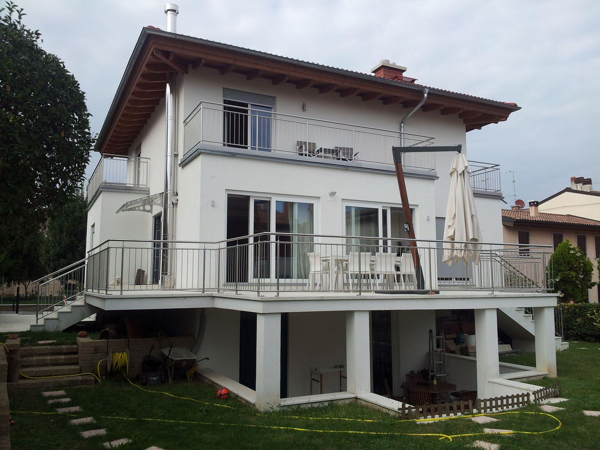 Villa a tre piani architetto paolo crivellaro for Piani di progettazione architettonica