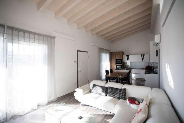 Villa bifamiliare Puegnago sul Garda 19322