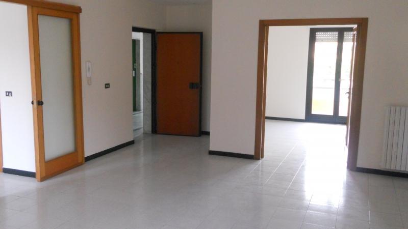 Appartamento in Affitto Trentola-Ducenta