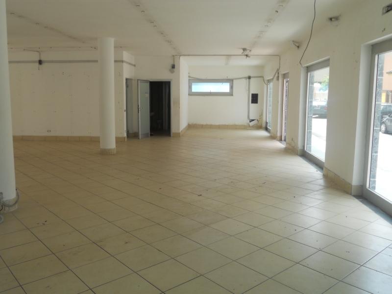 Locale Commerciale Trentola-Ducenta av-481__1