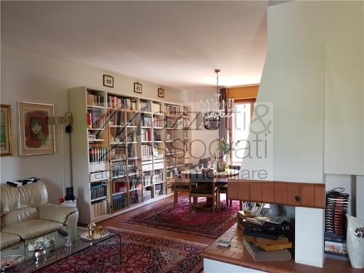 Villa a schiera in Vendita MONTALE