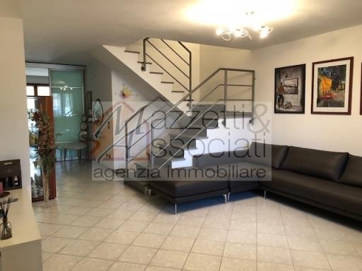 Villa a schiera in Vendita AGLIANA