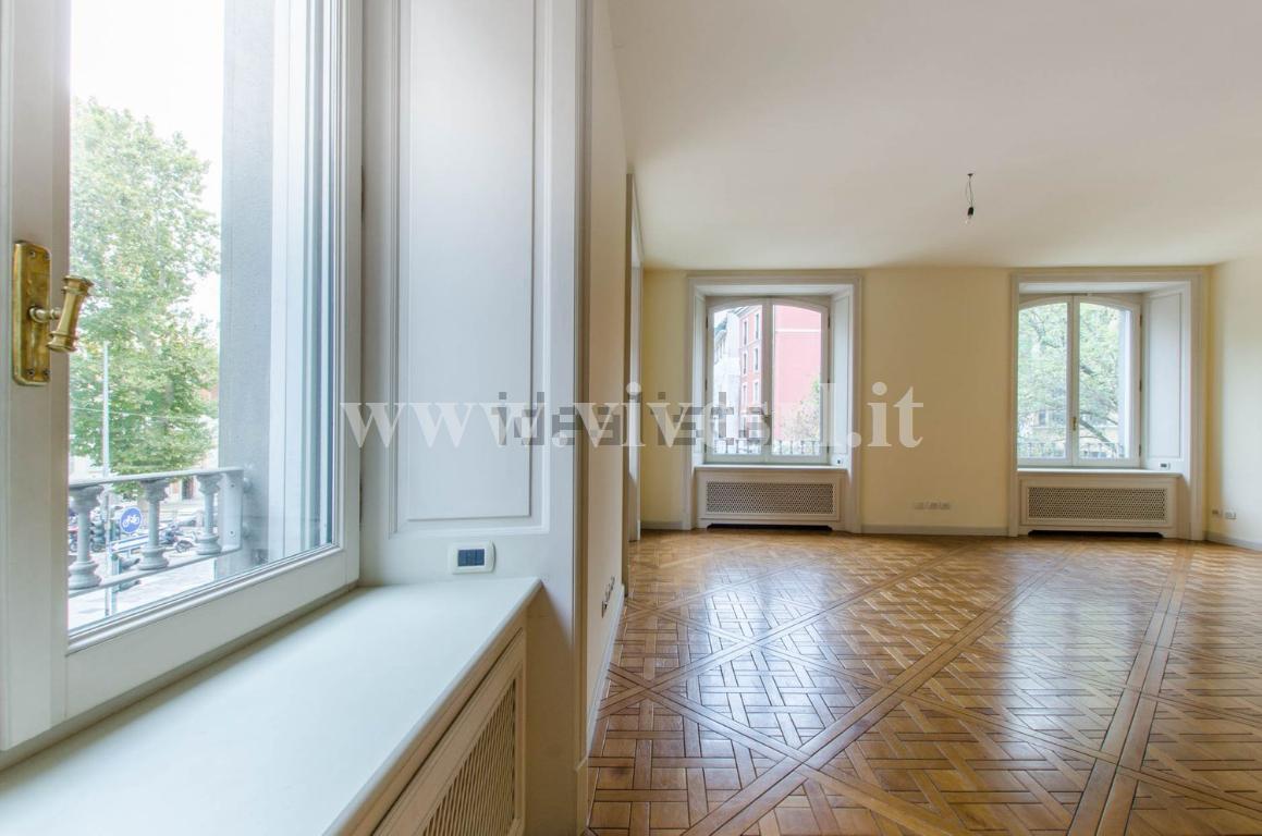 Ufficio Milano 872