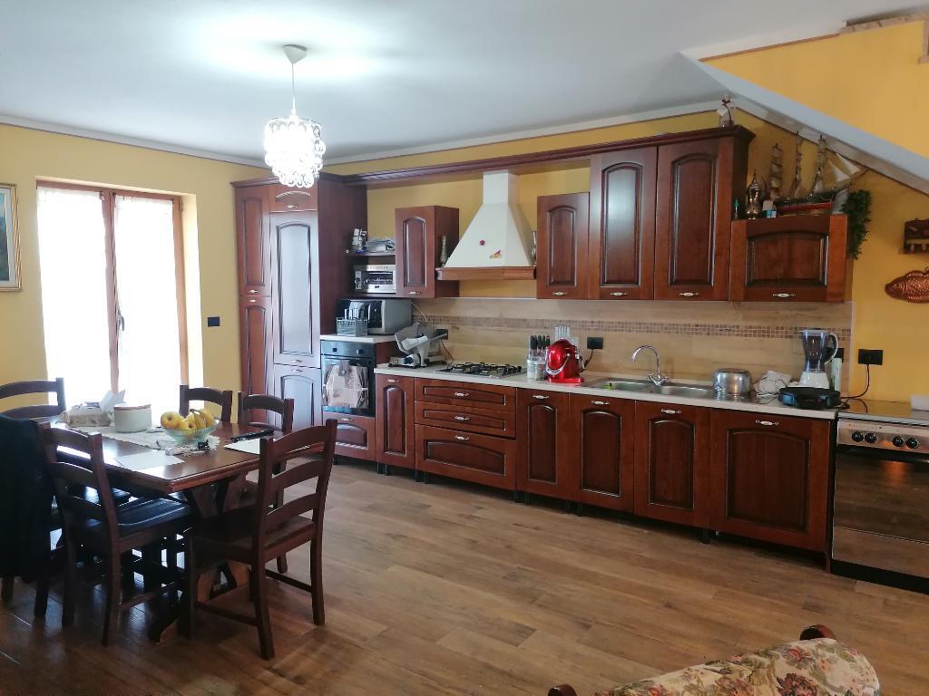 Villa bifamiliare Bernezzo E130220
