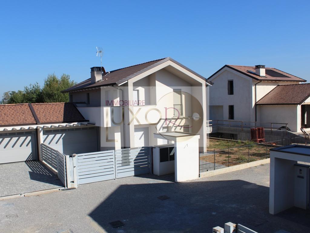 Villa singola in Vendita Casatenovo