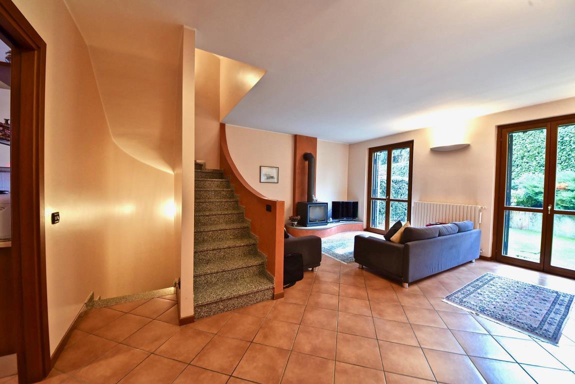 Villa a schiera Lesmo 2431