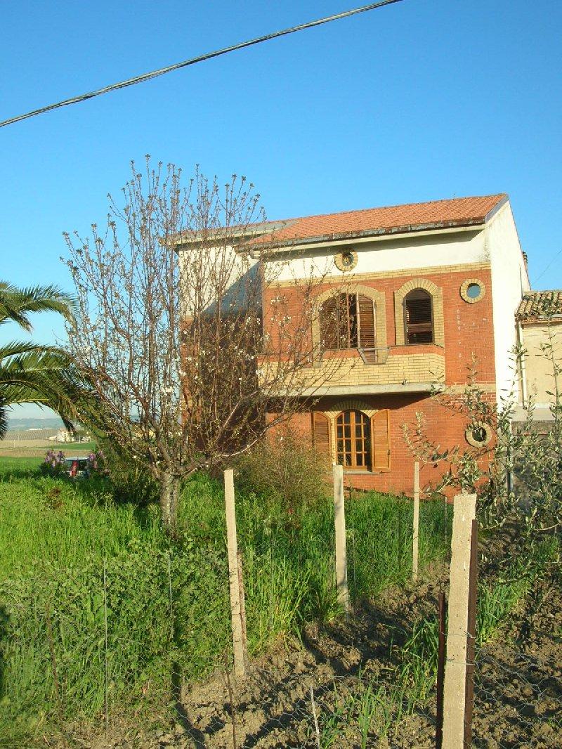 Villa bifamiliare Cupello 138FBT
