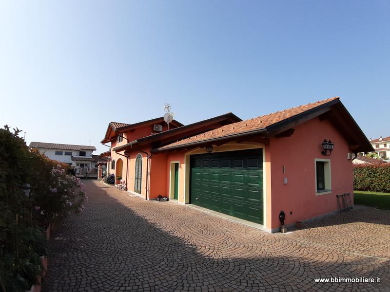 Villa singola in Vendita Candelo