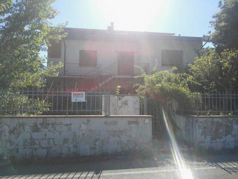 Villa o villino in Vendita Uzzano
