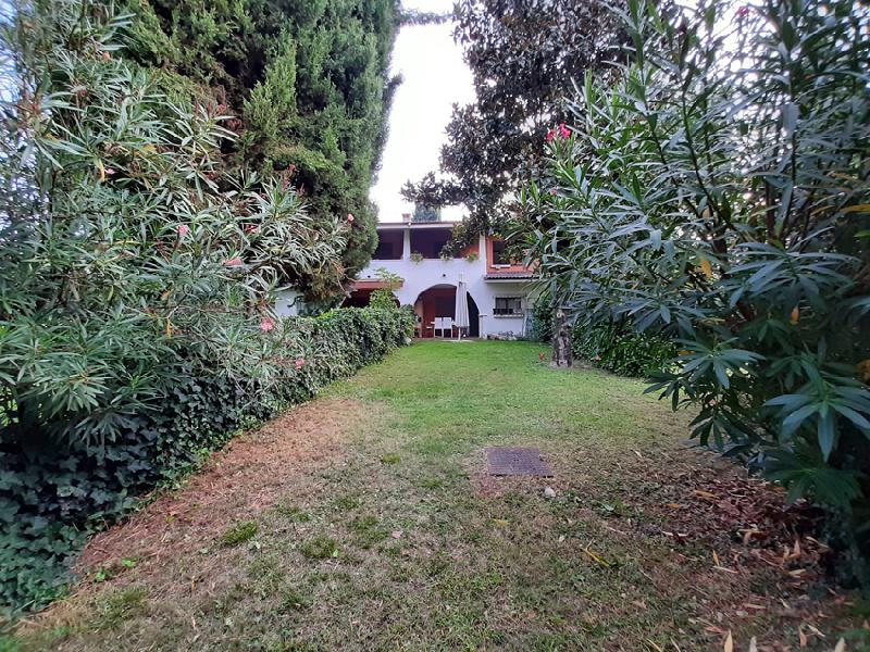 Villa a schiera in Vendita San Felice Del Benaco
