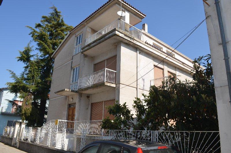 Villa bifamiliare Cupello 145FBR
